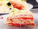Рецепта Солена палачинкова торта с лютеница, майонеза, шунка, кашкавал и кисели краставички